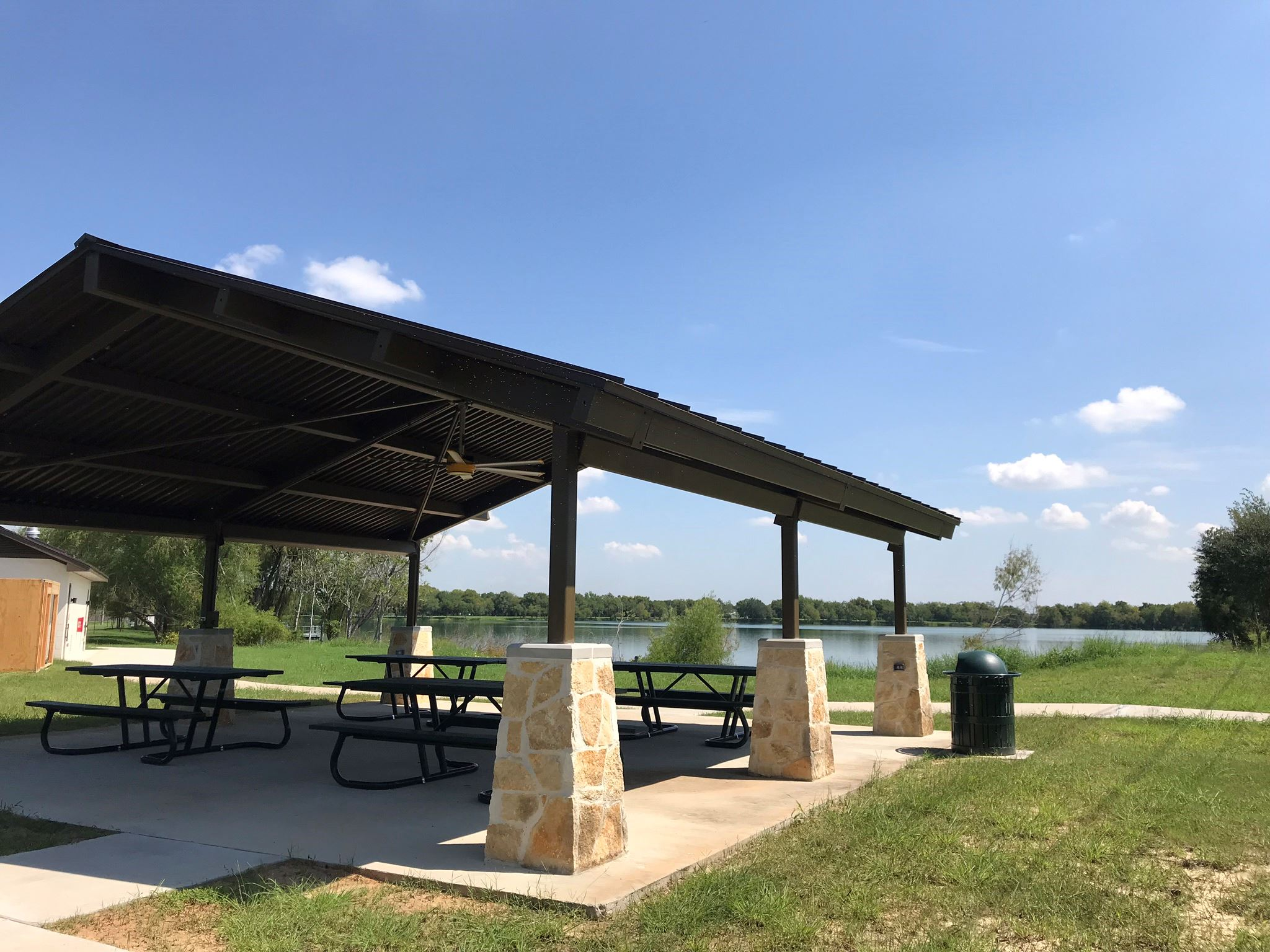 Lake Friendswood Pavilion with barbeque pit